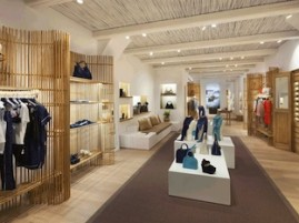Louis Vuitton - Pop up store Mykonos - interno
